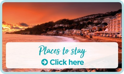 Family holidays, places to stay button