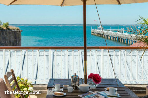 The George Hotel - Eating out by the sea - Isle of Wight