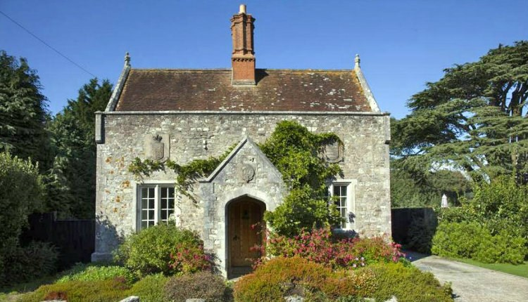 Awe Inspiring Classic Cottages Seaview Visit Isle Of Wight Beutiful Home Inspiration Ommitmahrainfo