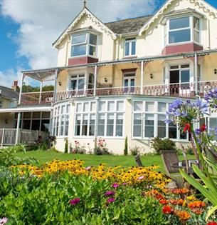 Isle of Wight, Accommodation, The Clifton, Shanklin, Garden and Frontage