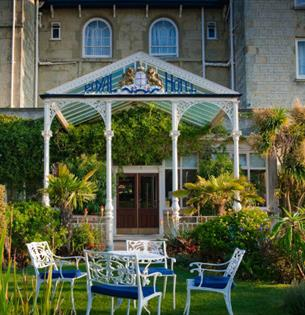 Front building view of The Royal Hotel, Ventnor, Isle of Wight Hotels