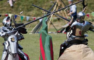 Clash of the Knights at Carisbrooke Castle