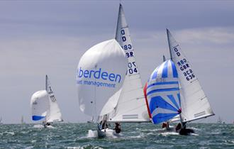Aberdeen Asset Management Cowes Week Spectator Shoreside_(c) Getty Images_328021