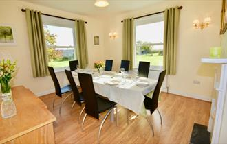 Isle of Wight, Accommodation, Self Catering, Somerton Farm, Cowes, Dining Room