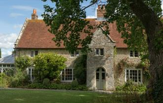 Shalfleet Manor