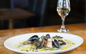 Isle of Wight, Food and Drink, The Fishbourne, Moules Frites Fridays