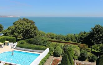 Isle of Wight, Accommodation, Shanklin, Swimming Pool, Luccombe Hall