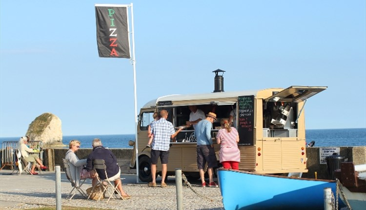 #72 - Order a seaside takeaway and dig into pizza on the beach