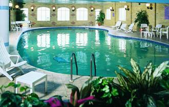Swimming pool at The Sandringham - Isle of Wight Hotels