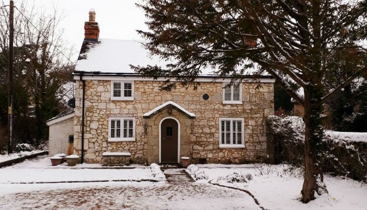 Snow on the outside of cottage, Isle of Wight, Accommodation, Self Catering, Brighstone