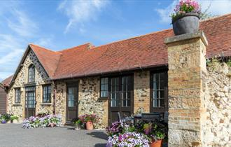 Isle of Wight, Accommodation, Self Catering, Farringford, Historical, West Wight