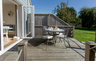 Isle of Wight, Accommodation, Self Catering, Yarmouth, Seaviews, Garden Terrace