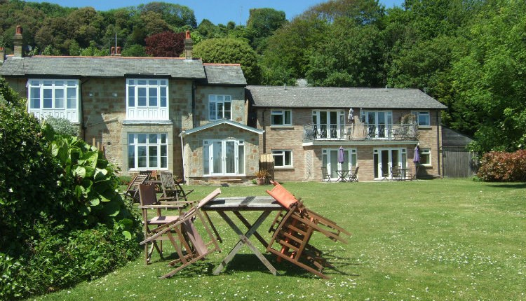 Woodcliffe holiday apartments ventnor visit isle of wight for Woodcliffe