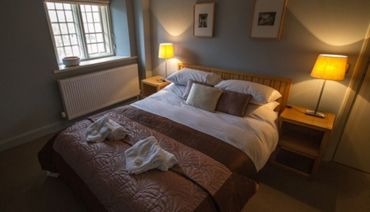#90 - Spend the night at a King's Prison in the Bowling Green Apartments at Carisbrooke