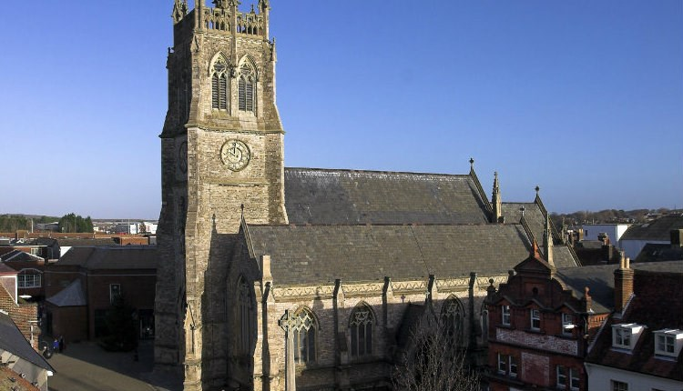 Newport Minster Church - Things to Do, Isle of Wight.